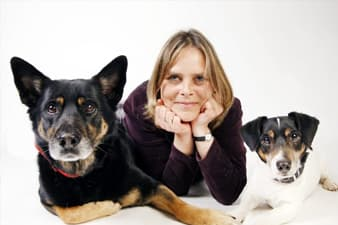Tanja mit ihren Hunden